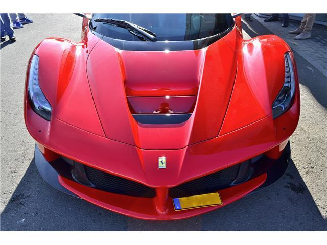 LaFerrari_for_sale_03