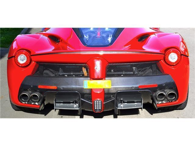 LaFerrari_for_sale_04