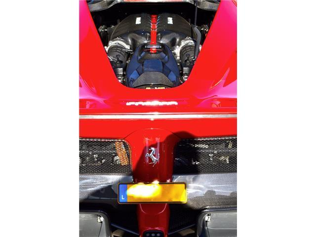 LaFerrari_for_sale_12