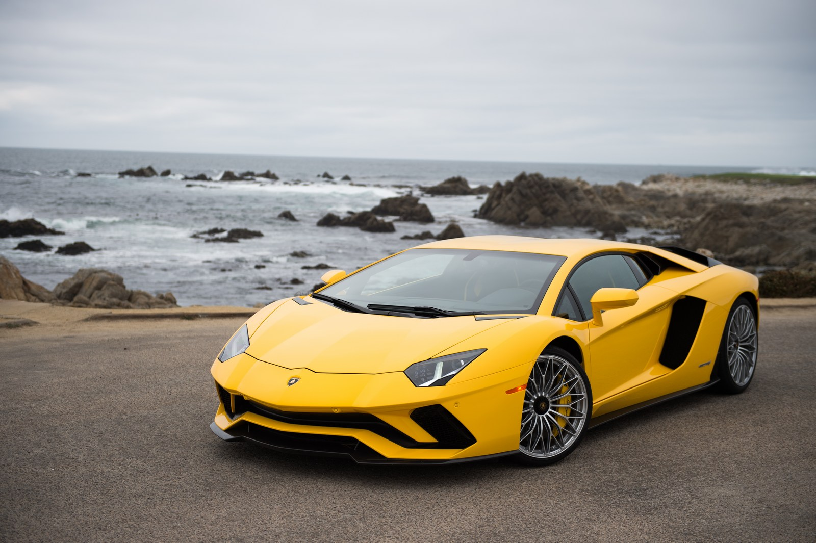 Lamborghini-Pebble-Beach-9