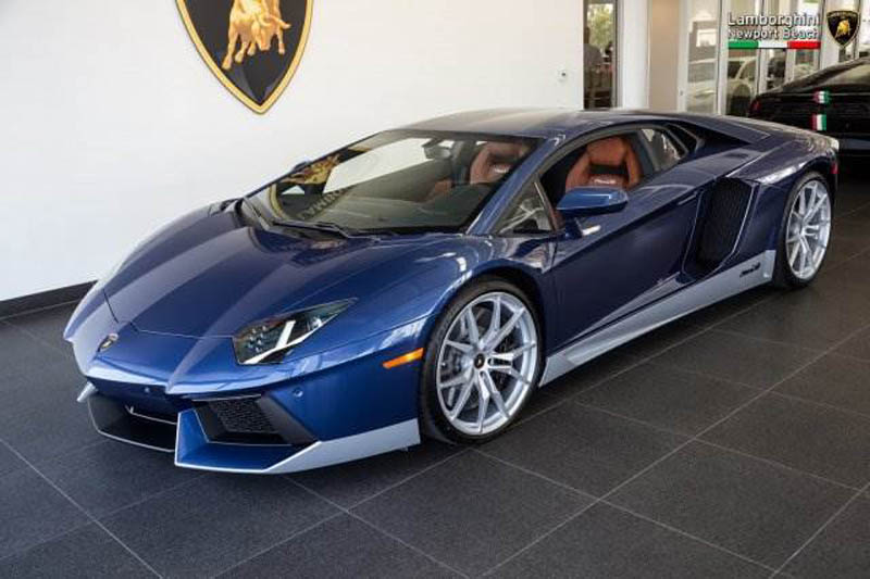 Lamborghini_Aventador_Miura_Homage_edition_for_sale_01
