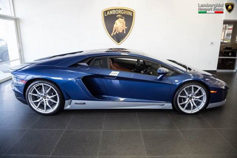 Lamborghini_Aventador_Miura_Homage_edition_for_sale_06