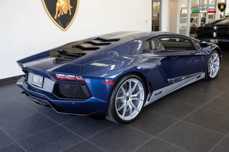 Lamborghini_Aventador_Miura_Homage_edition_for_sale_09