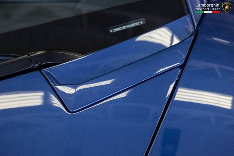 Lamborghini_Aventador_Miura_Homage_edition_for_sale_15