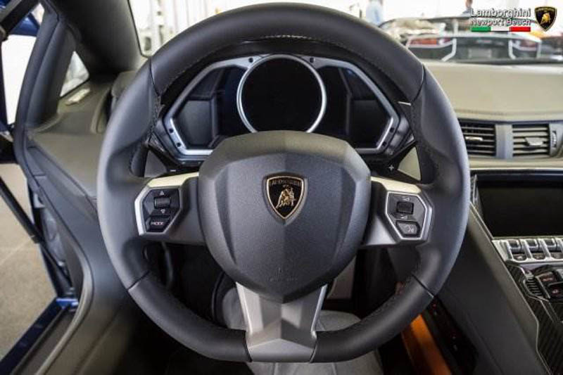 Lamborghini_Aventador_Miura_Homage_edition_for_sale_27