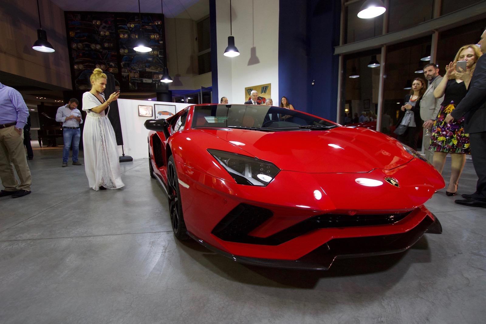 Lamborghini_Aventador_S_in_Greece_01