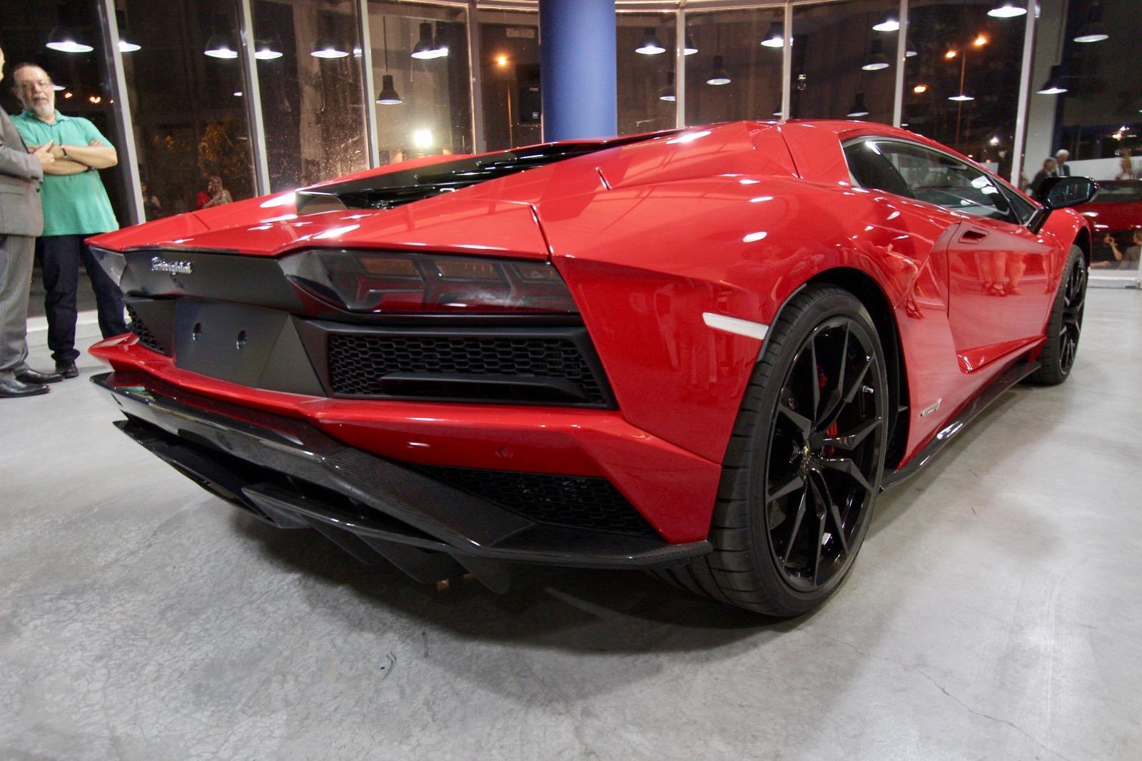Lamborghini_Aventador_S_in_Greece_03