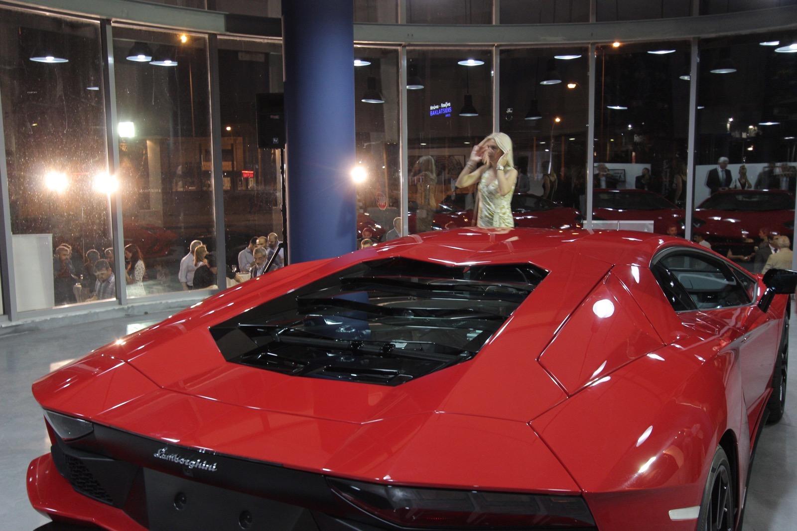 Lamborghini_Aventador_S_in_Greece_04