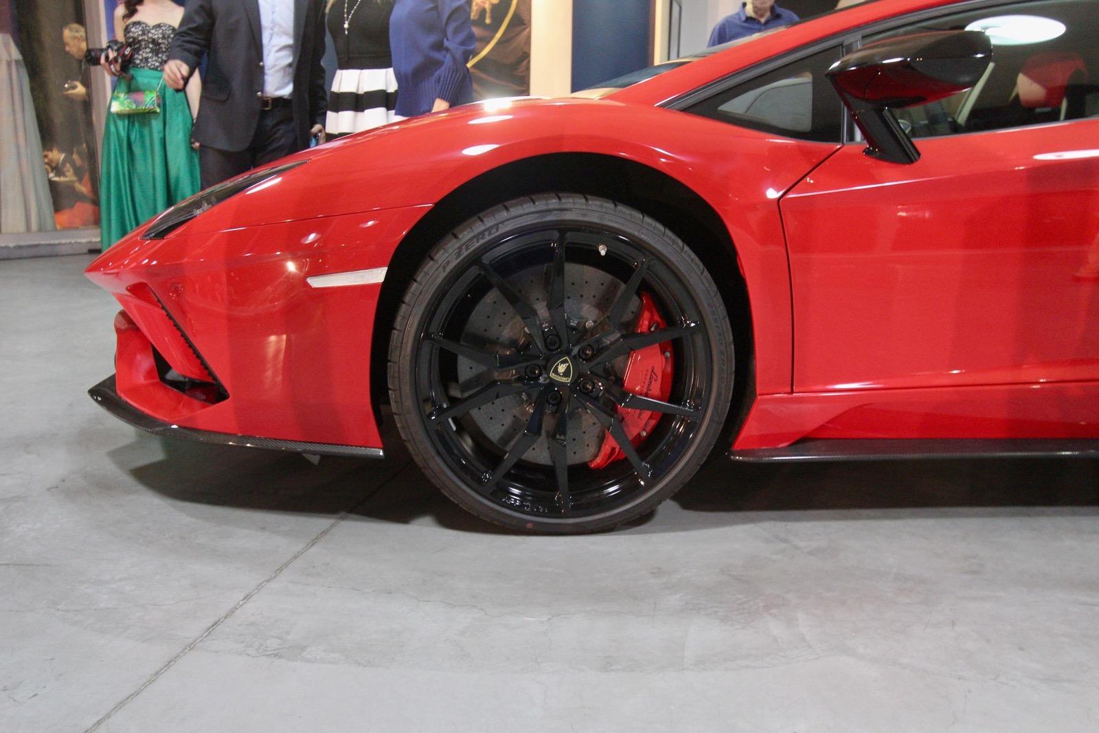 Lamborghini_Aventador_S_in_Greece_10
