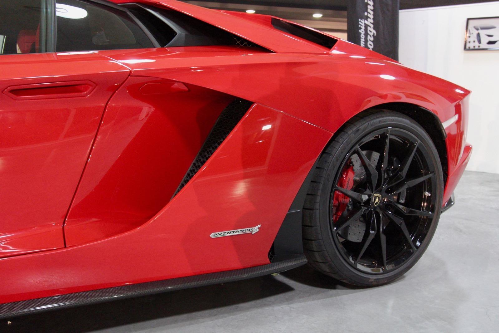Lamborghini_Aventador_S_in_Greece_11