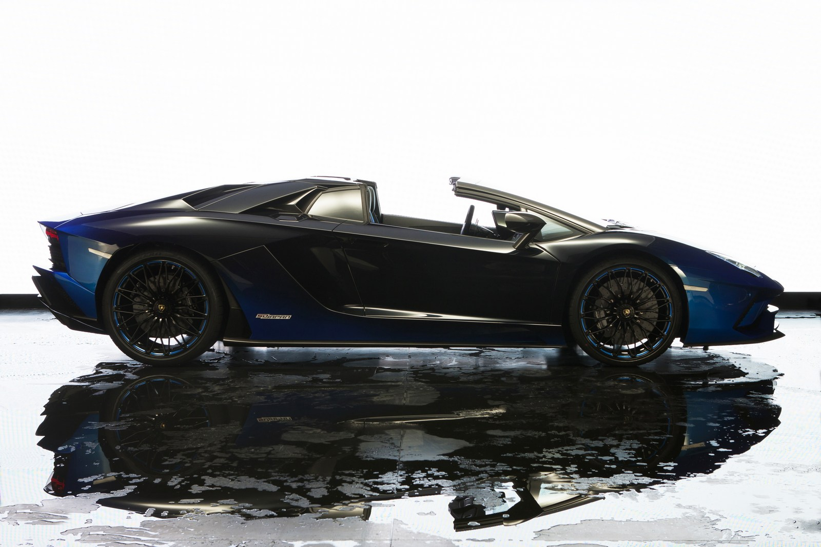 Lamborghini Aventador S Roadster For Japan (9)