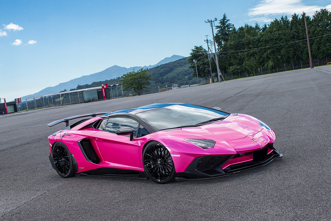 Lamborghini_Aventador_SV_by_Liberty_Walk_01