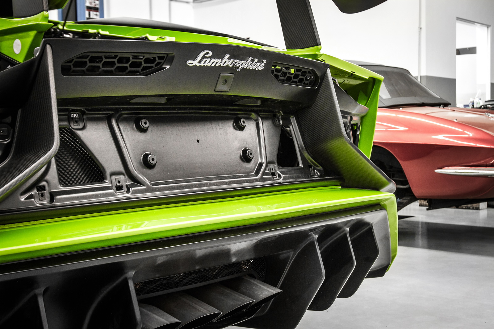 Lamborghini_Aventador_SV_by_Mcchip-DKR_05