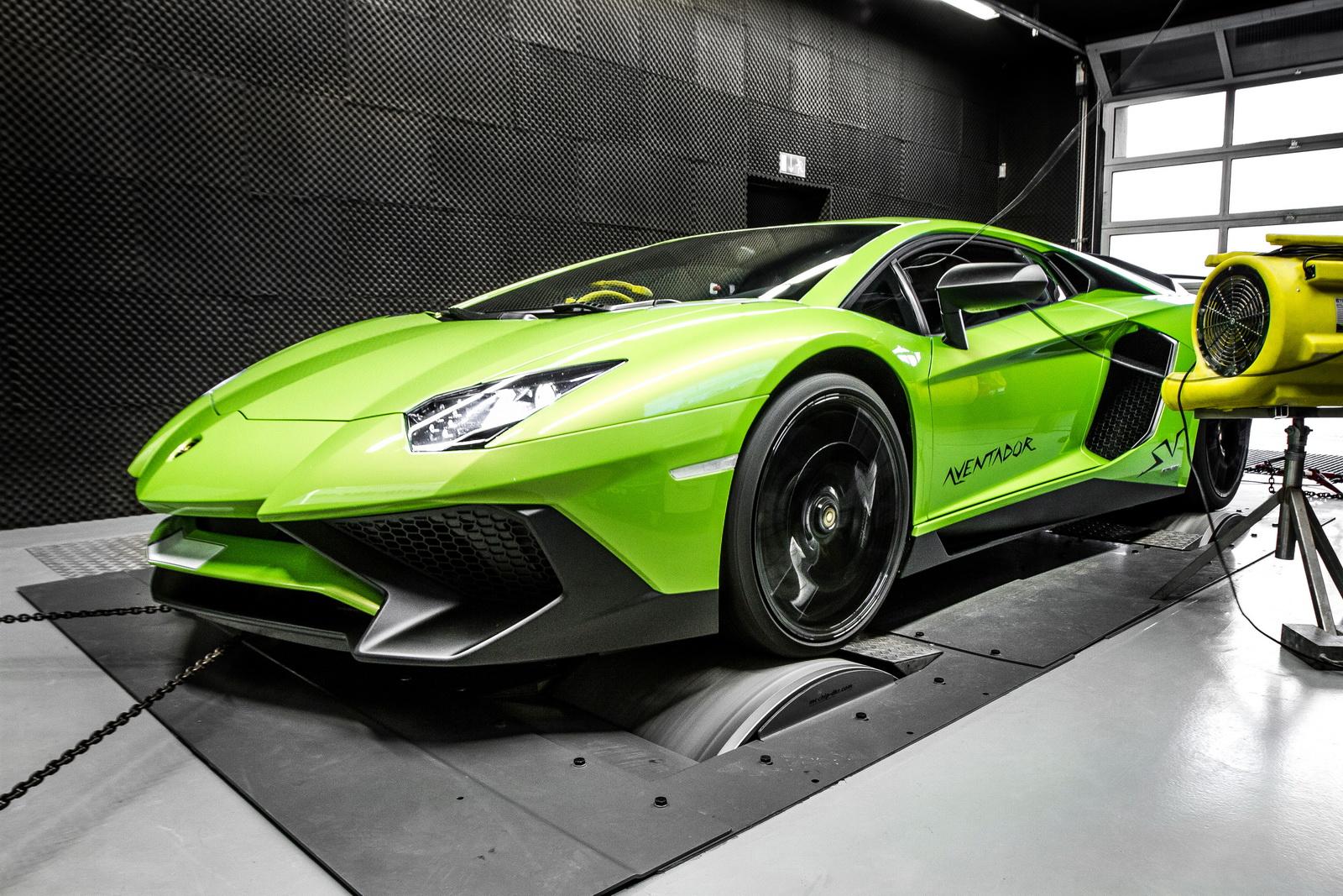 Lamborghini_Aventador_SV_by_Mcchip-DKR_18