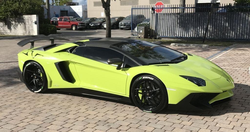 Lamborghini Aventador SV Roadster andMTI 52 Super Veloce for sale (2)