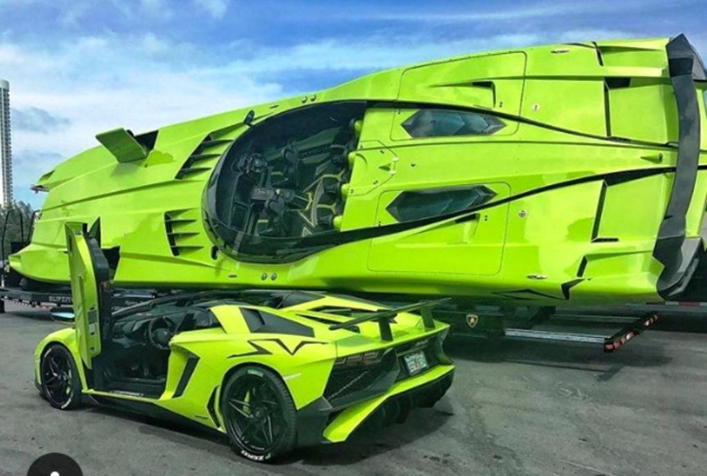 Lamborghini Aventador SV Roadster andMTI 52 Super Veloce for sale (23)
