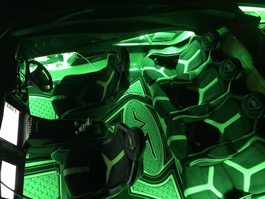 Lamborghini Aventador SV Roadster andMTI 52 Super Veloce for sale (9)