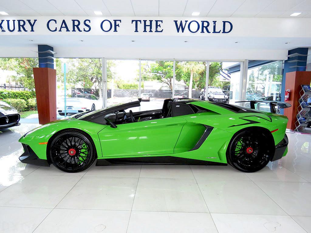 Lamborghini_Aventador_SV_Roadster_for_sale00