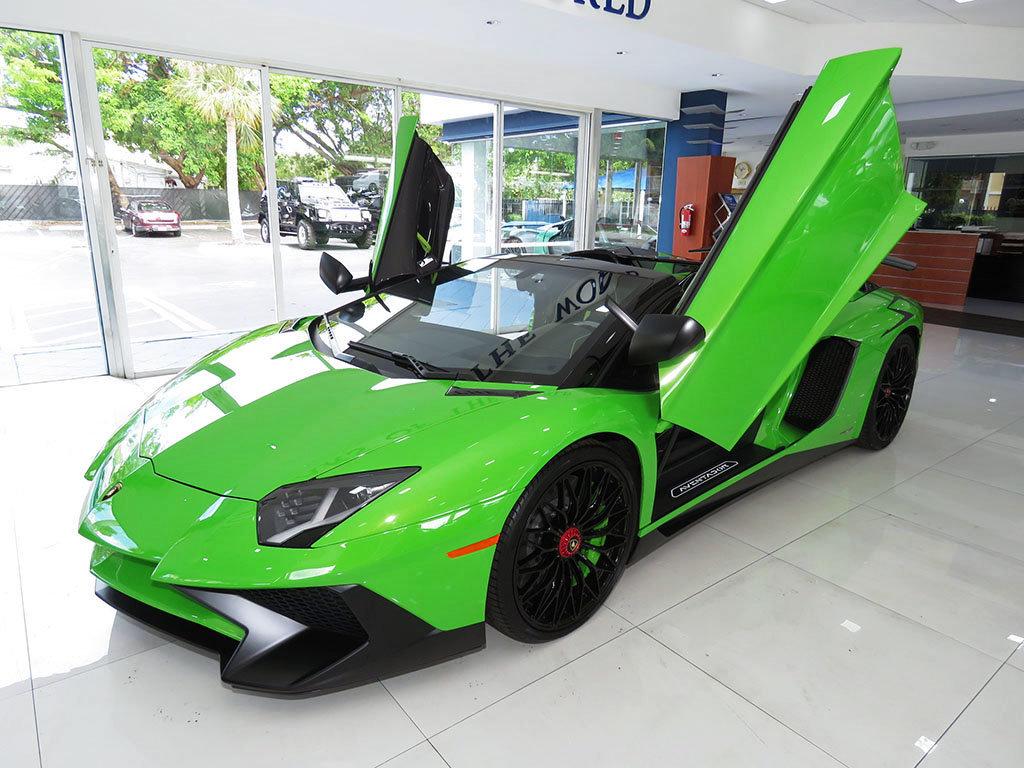 Lamborghini_Aventador_SV_Roadster_for_sale02