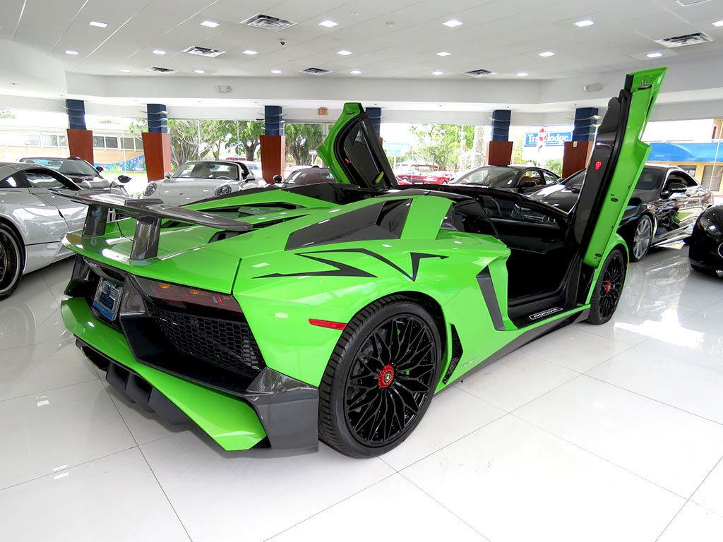 Lamborghini_Aventador_SV_Roadster_for_sale03