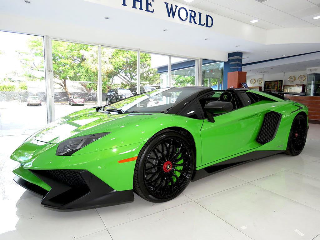 Lamborghini_Aventador_SV_Roadster_for_sale04