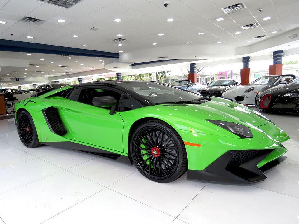 Lamborghini_Aventador_SV_Roadster_for_sale05