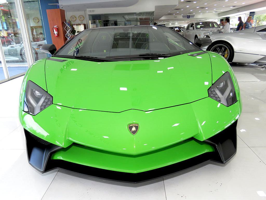 Lamborghini_Aventador_SV_Roadster_for_sale08