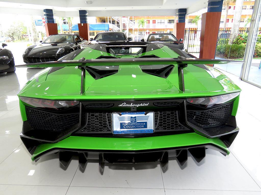 Lamborghini_Aventador_SV_Roadster_for_sale09
