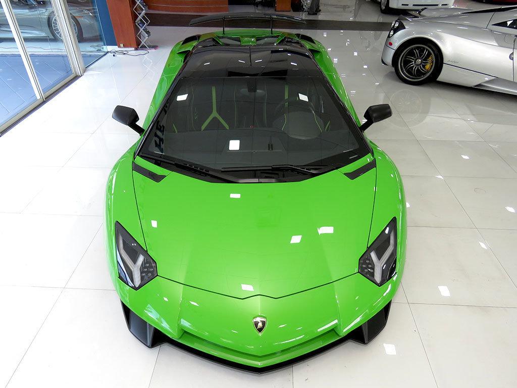 Lamborghini_Aventador_SV_Roadster_for_sale10