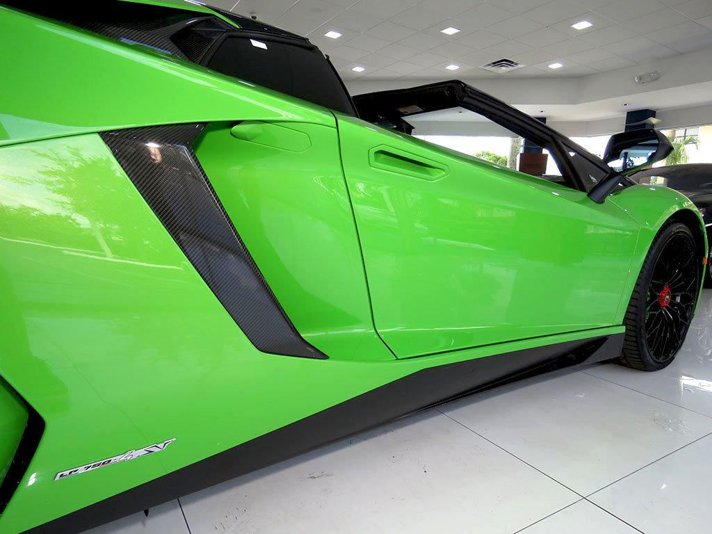 Lamborghini_Aventador_SV_Roadster_for_sale13