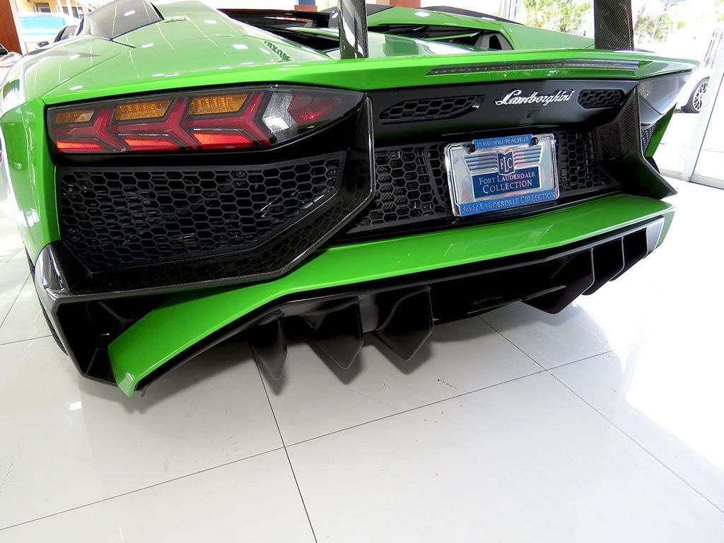 Lamborghini_Aventador_SV_Roadster_for_sale15