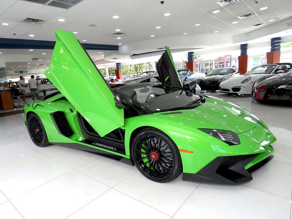 Lamborghini_Aventador_SV_Roadster_for_sale16
