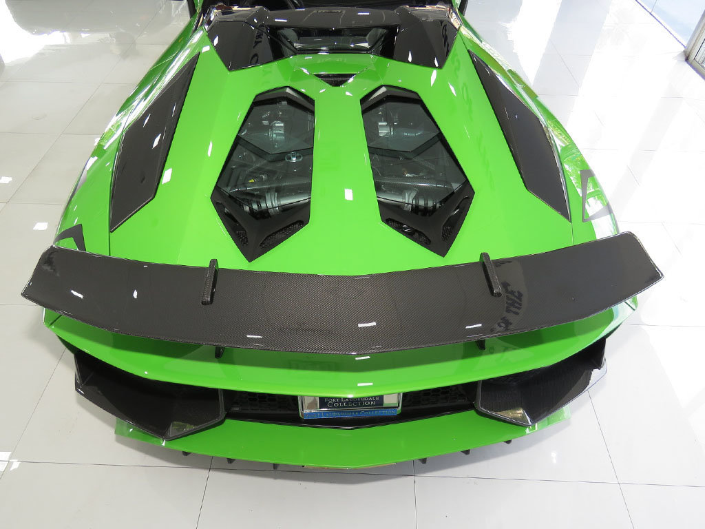 Lamborghini_Aventador_SV_Roadster_for_sale17
