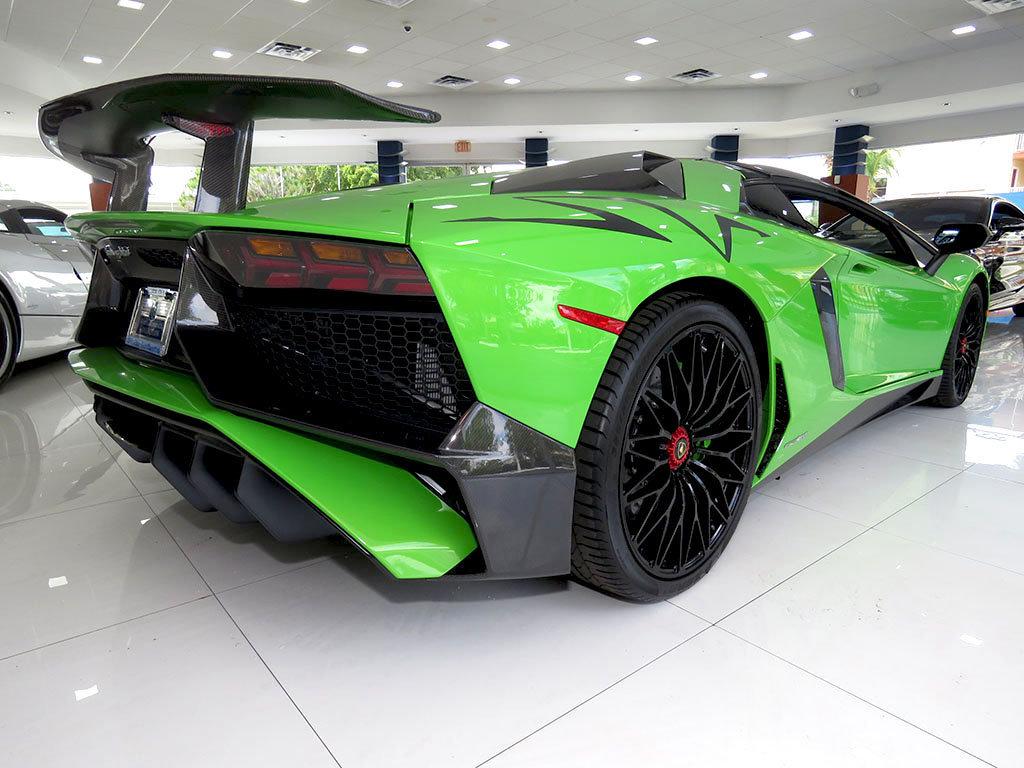 Lamborghini_Aventador_SV_Roadster_for_sale19