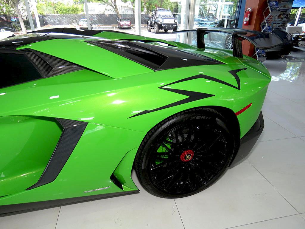 Lamborghini_Aventador_SV_Roadster_for_sale20