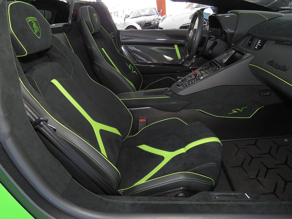 Lamborghini_Aventador_SV_Roadster_for_sale25