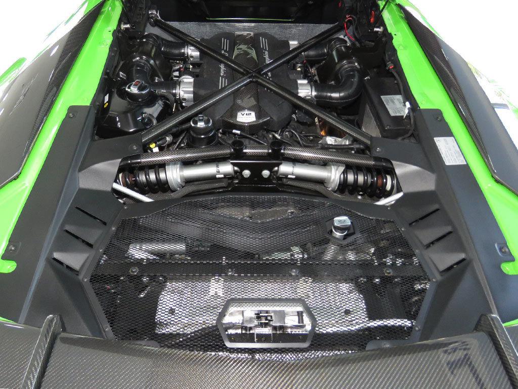 Lamborghini_Aventador_SV_Roadster_for_sale34