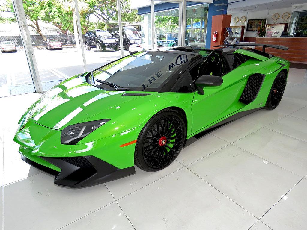 Lamborghini_Aventador_SV_Roadster_for_sale35