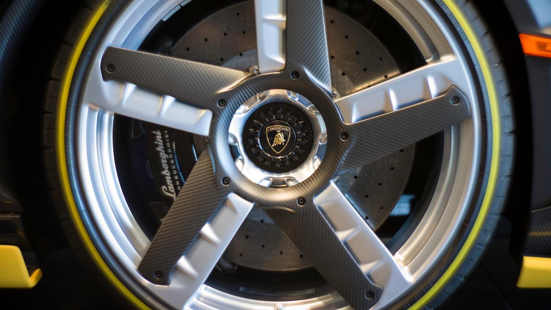 Lamborghini_Centenario_Roadster_11