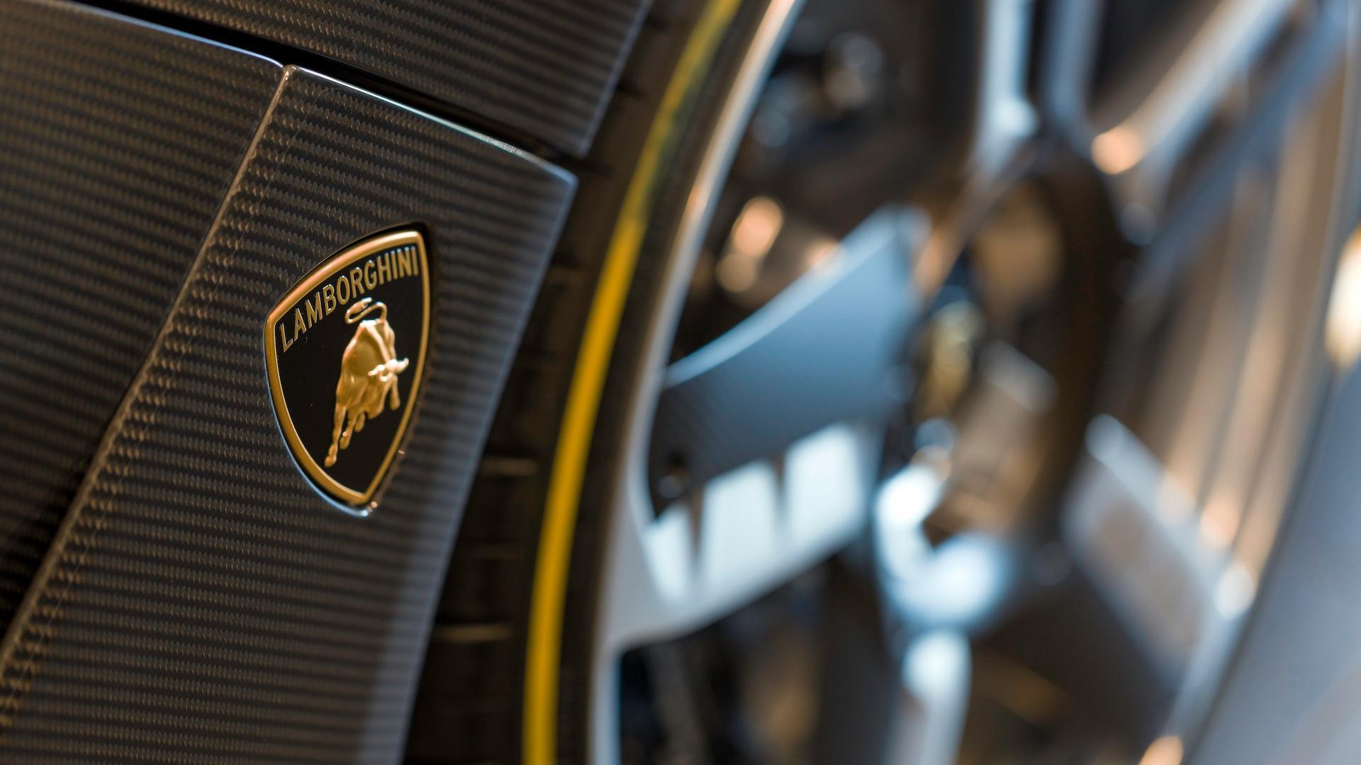 Lamborghini_Centenario_Roadster_12