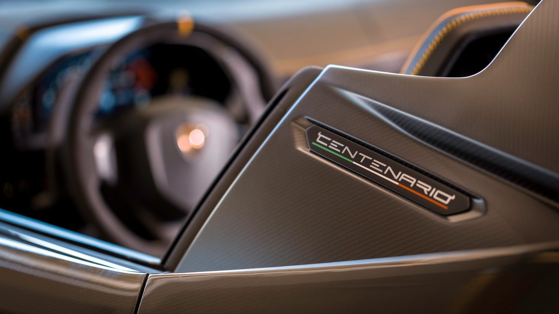 Lamborghini_Centenario_Roadster_13