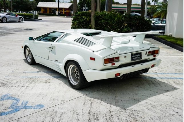 Lamborghini_Countach_25th_Anniversary_07