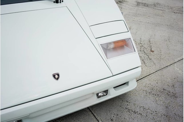 Lamborghini_Countach_25th_Anniversary_13