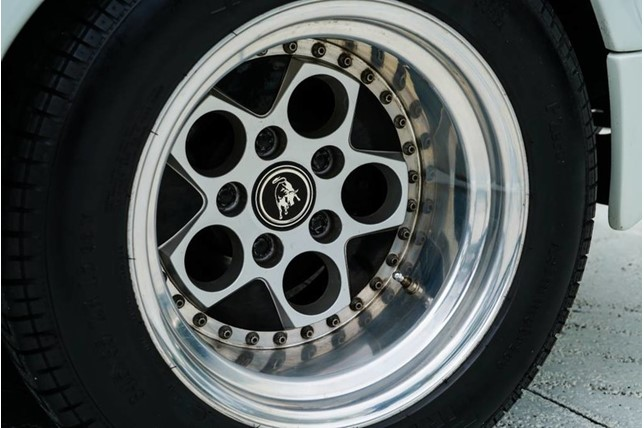 Lamborghini_Countach_25th_Anniversary_19