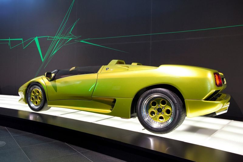 Lamborghini-Diablo-Roadster-Prototype-04