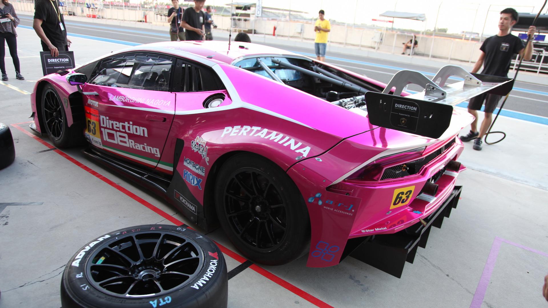 Lamborghini_Huracan_GT3_for_sale_06