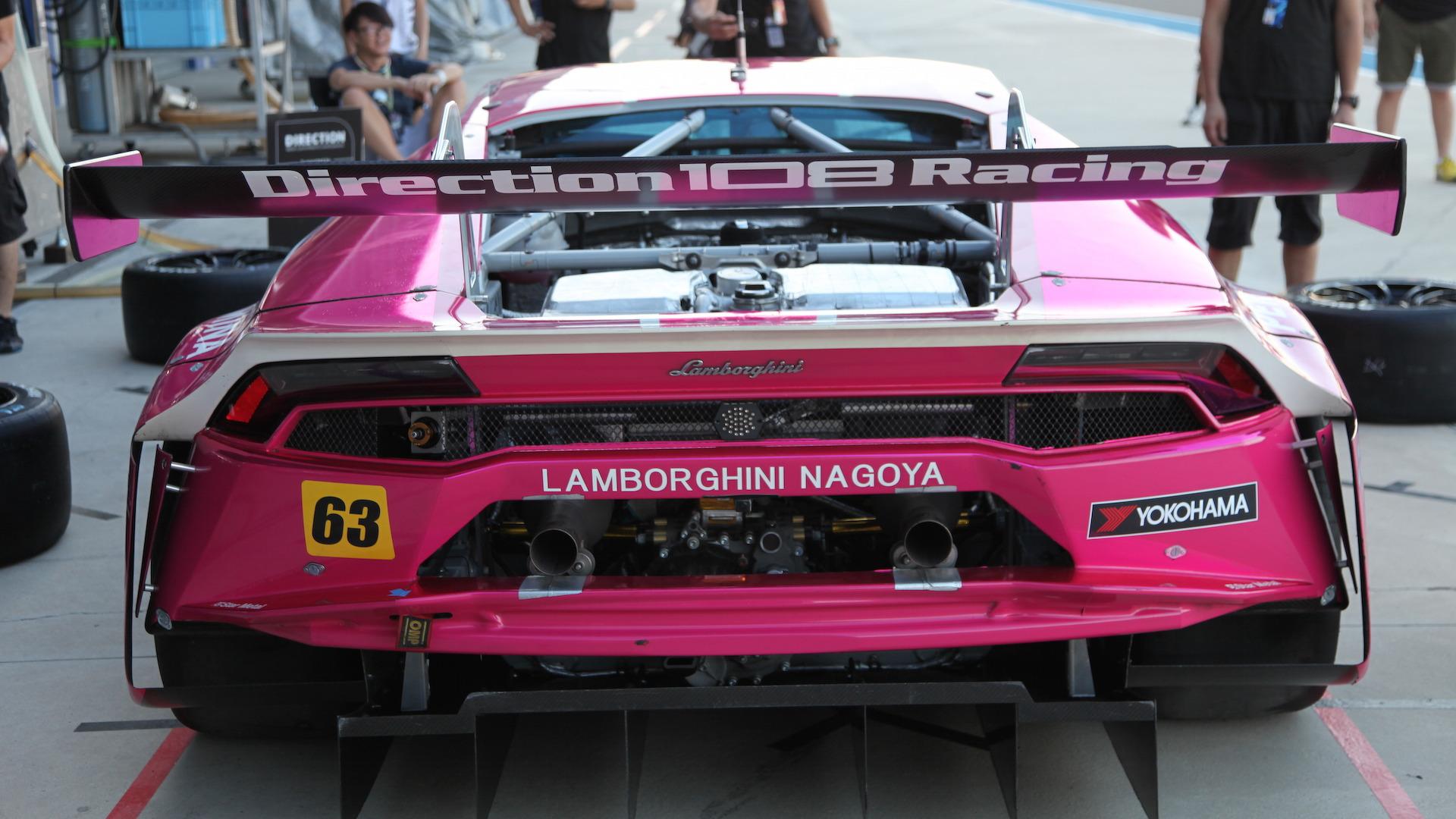 Lamborghini_Huracan_GT3_for_sale_07
