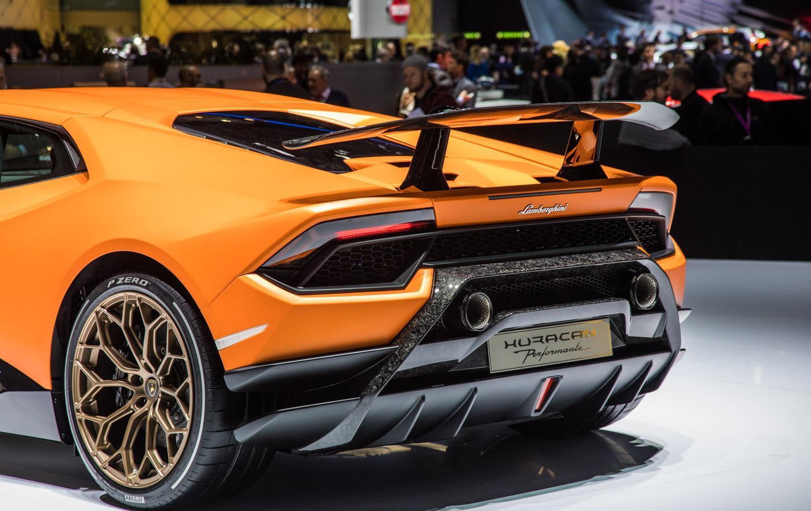 Lamborghini-Huracan-Performante-009