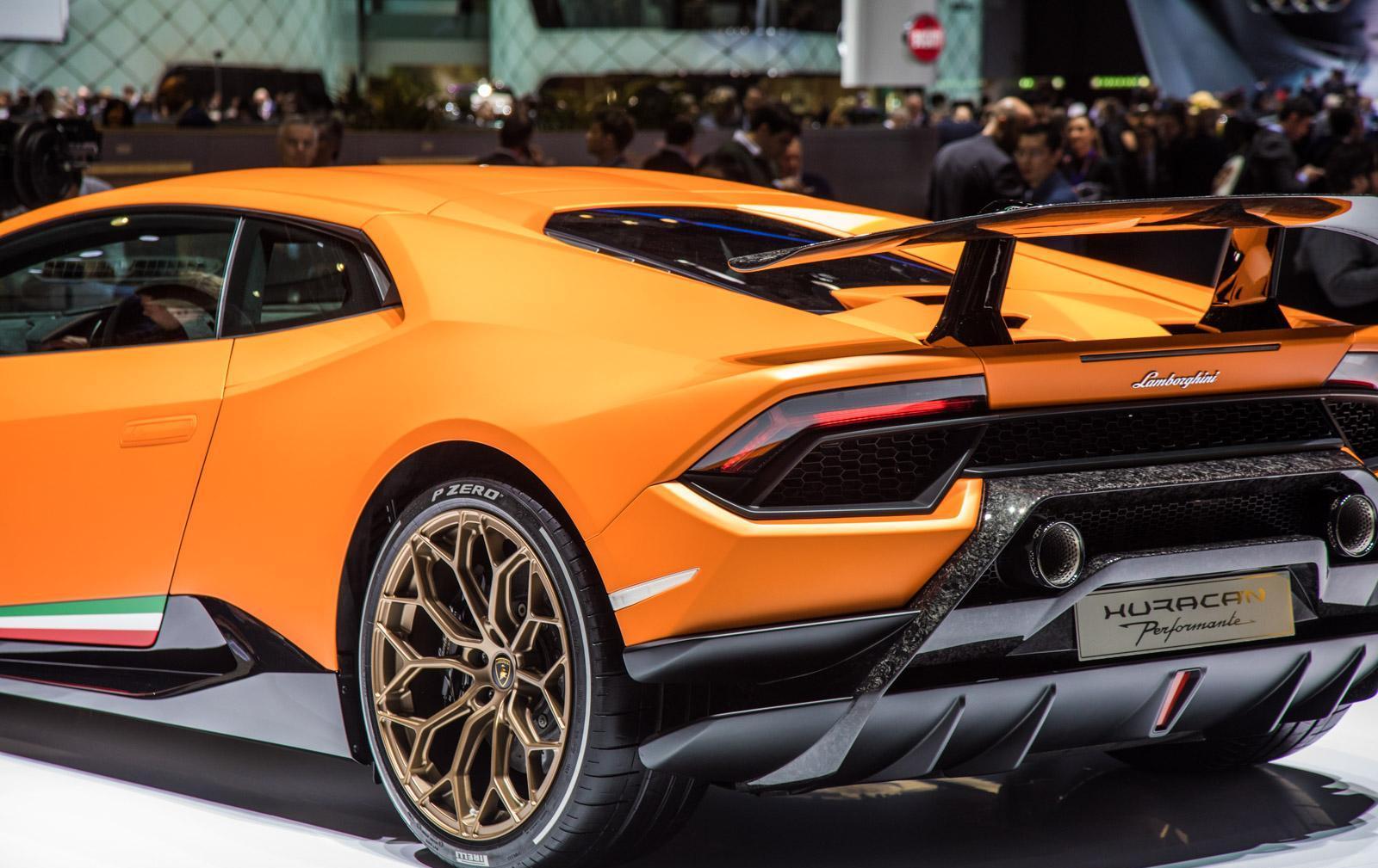 Lamborghini-Huracan-Performante-011
