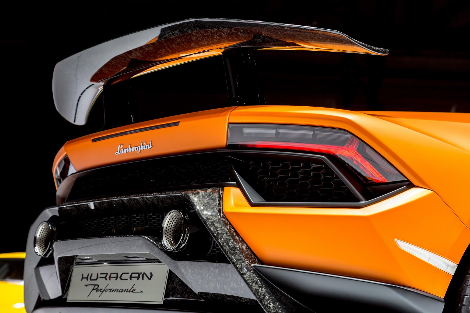 Lamborghini Huracan Performante Geneva 2017 (1)